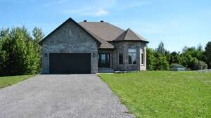 Real Estate for Sale, ListingId: 40960726, Vars, ON