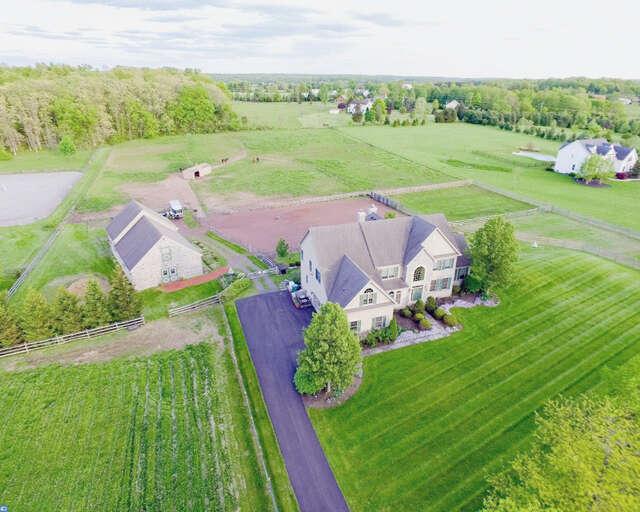 Single Family for Sale at 2935 Fretz Valley Rd Perkasie, Pennsylvania 18944 United States