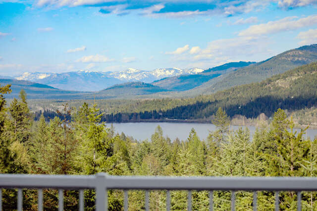 Single Family for Sale at 177 Rocky Ridge Rd Cocolalla, Idaho 83813 United States
