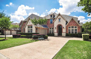 Featured Property in Irving, TX 75063