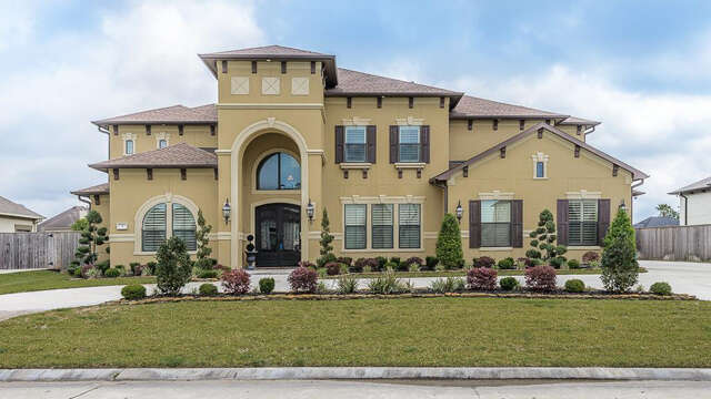 Single Family for Sale at 3 Dominion Court Friendswood, Texas 77546 United States