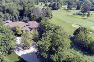 Featured Property in Northbrook, IL 60062