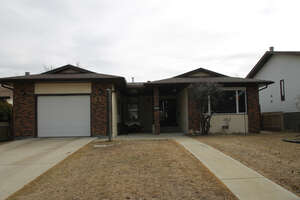 Featured Property in Ponoka, AB T4J 1C8