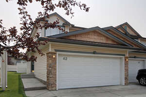 Featured Property in Red Deer, AB T4R 2Z6
