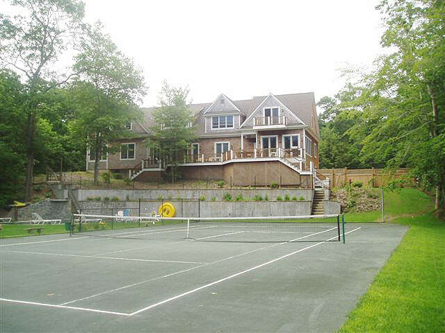 Single Family for Sale at 12 Deep Wood Lane Amagansett, New York 11930 United States