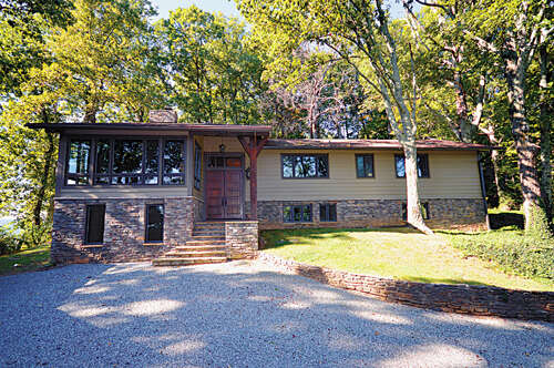 Single Family for Sale at 2045 Hogback Mountain Road Tryon, North Carolina 28782 United States