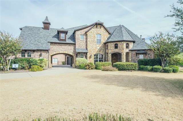 Single Family for Sale at 3341 Clubview Drive Argyle, Texas 76226 United States