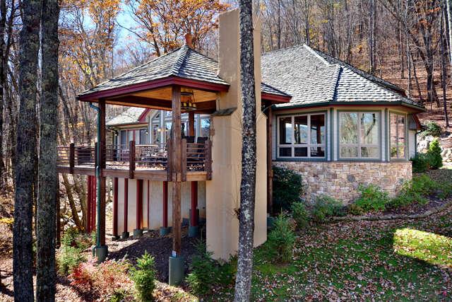 Single Family for Sale at 115 Ridge Drive Linville, North Carolina 28646 United States