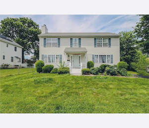 Featured Property in Iselin, NJ 08830