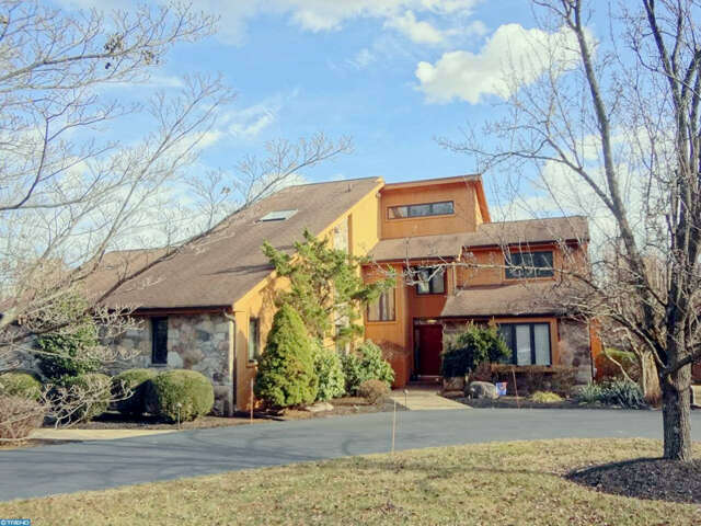 Single Family for Sale at 241 E Dark Hollow Rd Pipersville, Pennsylvania 18947 United States
