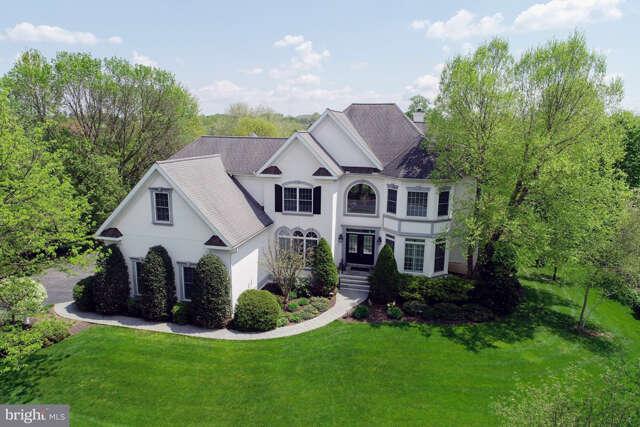 Single Family for Sale at 374 N Farm Drive Lititz, Pennsylvania 17543 United States