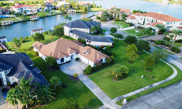 Single Family for Sale at 1915 Ray Shell Court Seabrook, Texas 77586 United States