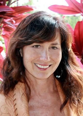 Julia Napua Fetzer (RA)