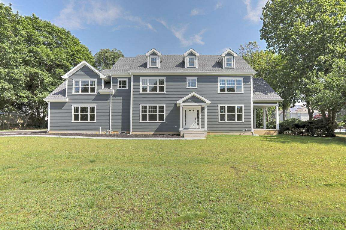 Single Family for Sale at 47 Shadowbrook Road Shrewsbury, New Jersey 07702 United States