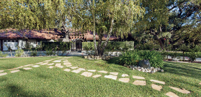 Single Family for Sale at 4090 Cresthaven Drive Westlake Village, California 91362 United States