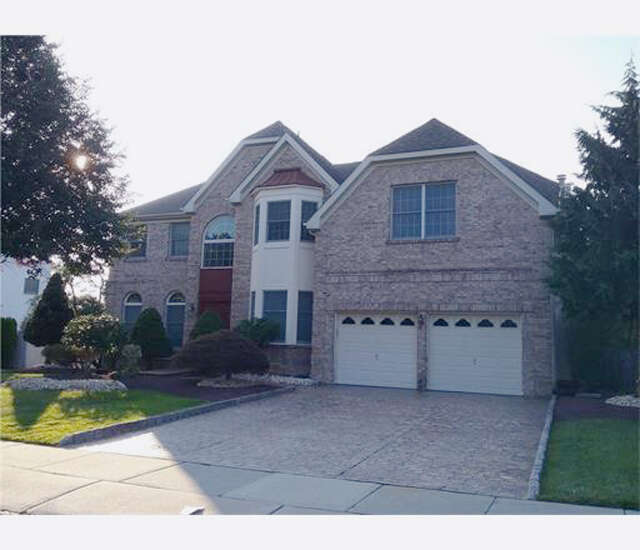 Single Family for Sale at 4 Kayann Drive Dayton, New Jersey 08810 United States