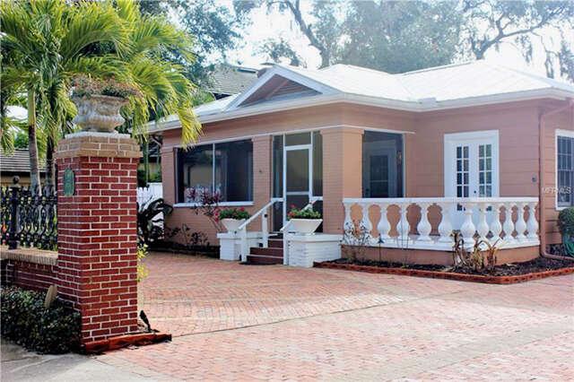 Single Family for Sale at 1654 Arlington Street Sarasota, Florida 34239 United States