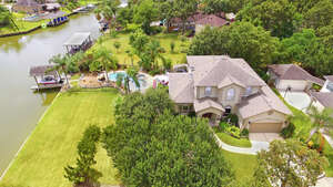 Featured Property in Seabrook, TX 77586