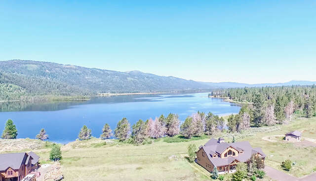 Single Family for Sale at 13127 Hawks Bay Road Donnelly, Idaho 83615 United States