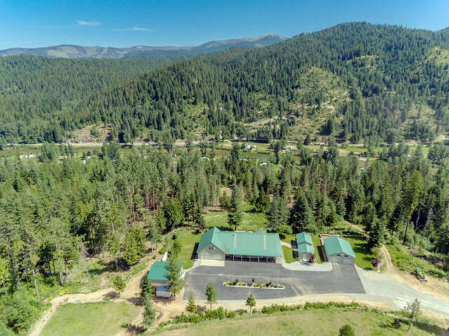 Single Family for Sale at 5717 Wapiti Lane Kingston, Idaho 83839 United States