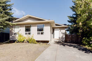 Featured Property in Calgary, AB T3K 1K4