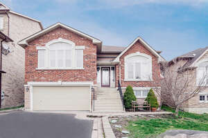 Featured Property in Pickering, ON L1V 7G6
