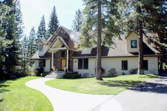 Single Family for Sale at 402 Walsh Court Lake Almanor, California 96137 United States