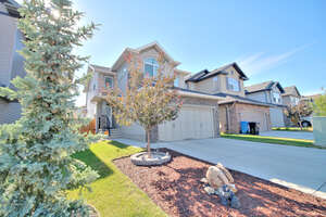 Featured Property in Calgary, AB T2X 0H7
