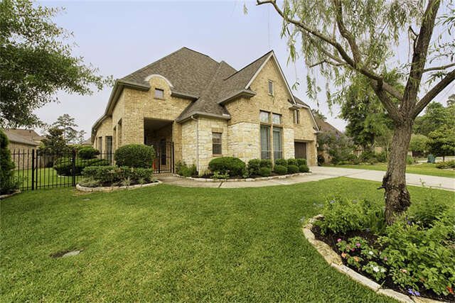 Single Family for Sale at 95 N Mews Wood Court The Woodlands, Texas 77381 United States