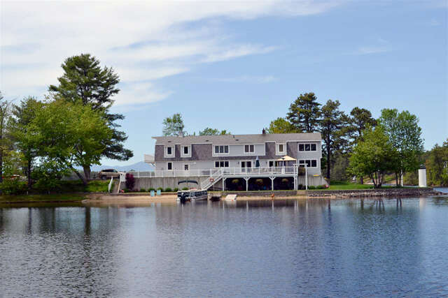 Single Family for Sale at 40 Bay Point Road Ossipee, New Hampshire 03864 United States