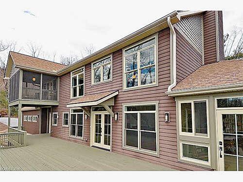 Single Family for Sale at 426 Eagle Ridge Road Zirconia, North Carolina 28790 United States