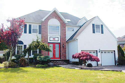 Single Family for Sale at 4 Johnny Drive Farmingdale, New Jersey 07727 United States