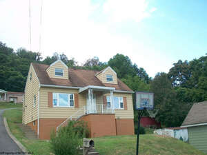 Featured Property in Monongah, WV 26554