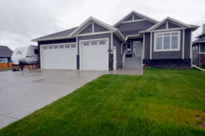 Featured Property in Grande Prairie, AB T8X 0L8