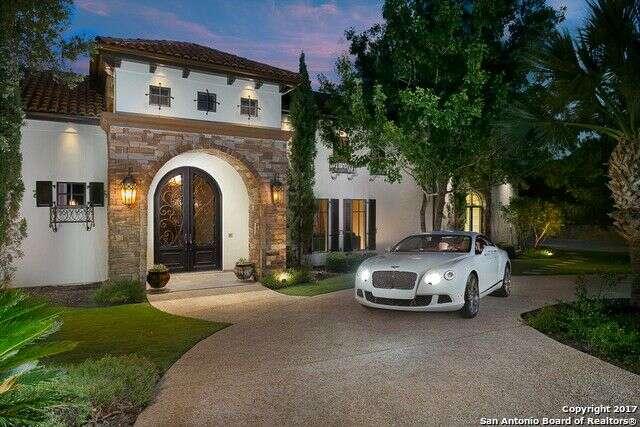 Single Family for Sale at 16 Esquire San Antonio, Texas 78257 United States