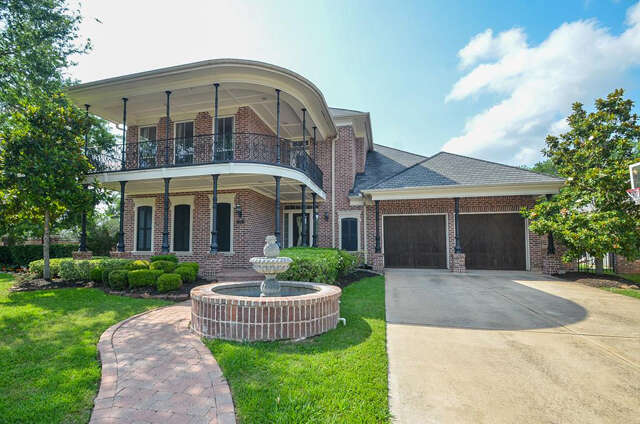 Single Family for Sale at 24 Vieux Carre Ct Missouri City, Texas 77459 United States