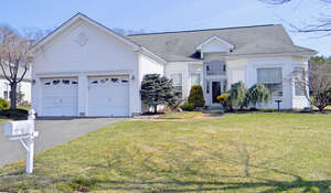 Featured Property in Wall, NJ 08736
