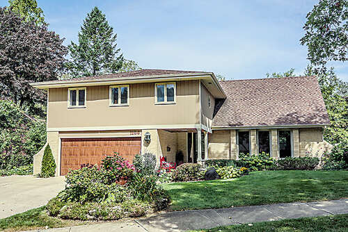 Single Family for Sale at 1136 Black Oak Drive Downers Grove, Illinois 60515 United States
