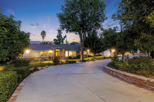 Single Family for Sale at 26752 Brooken Avenue Canyon Country, California 91387 United States