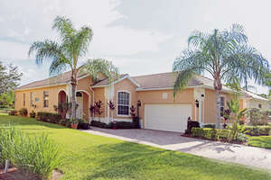 Featured Property in Naples, FL 34120