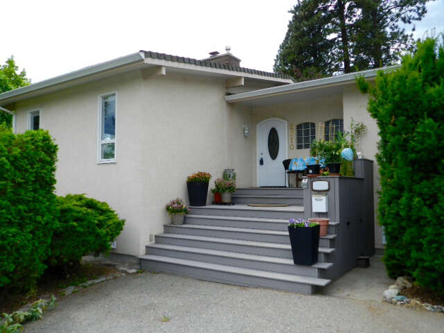 Featured Property in WEST KELOWNA, BC, V1Z 2C8