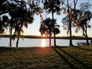 Featured Property in Satsuma, FL 32189