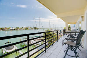 Featured Property in Clearwater Beach, FL 33767
