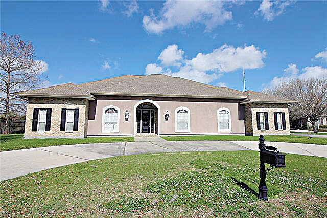 Single Family for Sale at 120 Regina Drive Belle Chasse, Louisiana 70037 United States