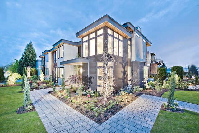 Single Family for Sale at 6325 Lakeview Dr Kirkland, Washington 98033 United States