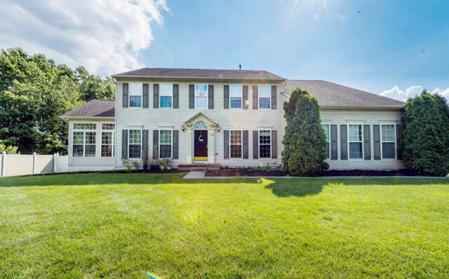 Single Family for Sale at 190 Leesville Road Jackson, New Jersey 08527 United States