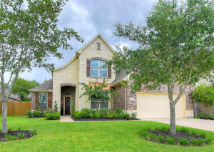 Featured Property in Pearland, TX 77089