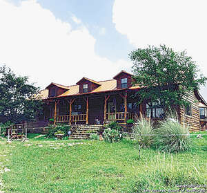 Featured Property in Tarpley, TX 78883