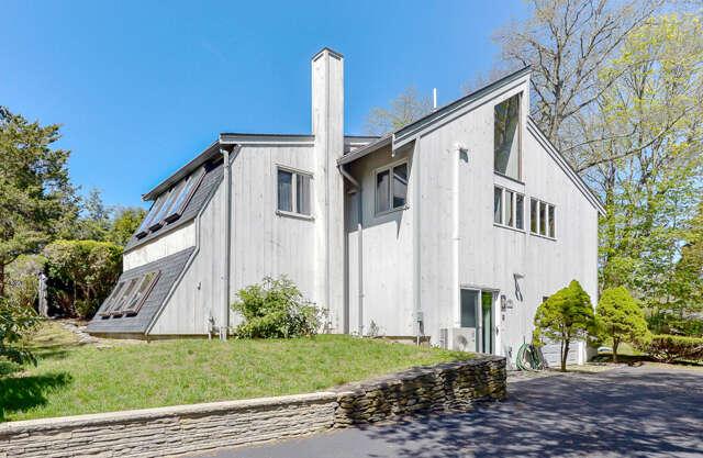 Single Family for Sale at 8 Nairn Road Pocasset, Massachusetts 02559 United States