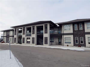 Featured Property in Lorette, MB R0A 0Y0